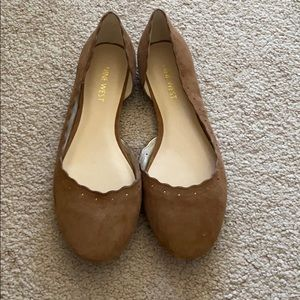 Nine West brown scalloped flats